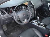 Renault-Latitude03