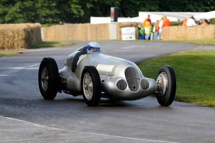Vorkriegs-Silberpfeile beim Goodwood Revival am Start