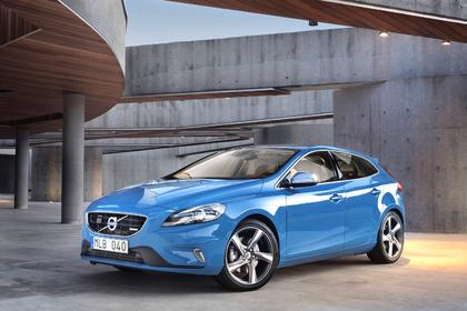 "Highlight in ""Rebel Blue"": Volvo V40 R-Design"