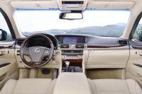 Lexus-LS-4