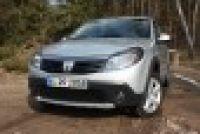 Dacia-Sandero01_lnd_thumb