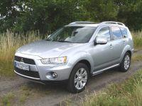 Mitsubishi-outlamder04