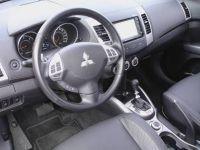 Mitsubishi-outlamder15